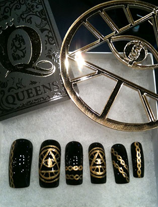 steph urmeneta haus of lacquer queens inspired nail design