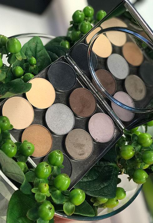 sappho new paradigm cosmetics eyeshadow palette