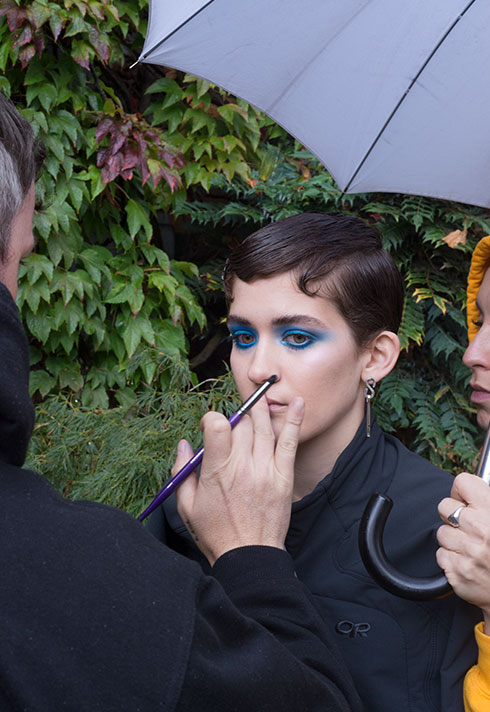 top makeup school graduate jon hennessy blue cobalt eyeshadow