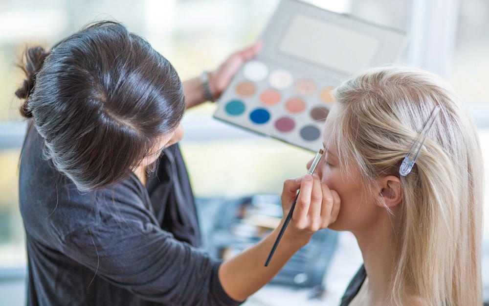 top graduate aya coulter makeup application