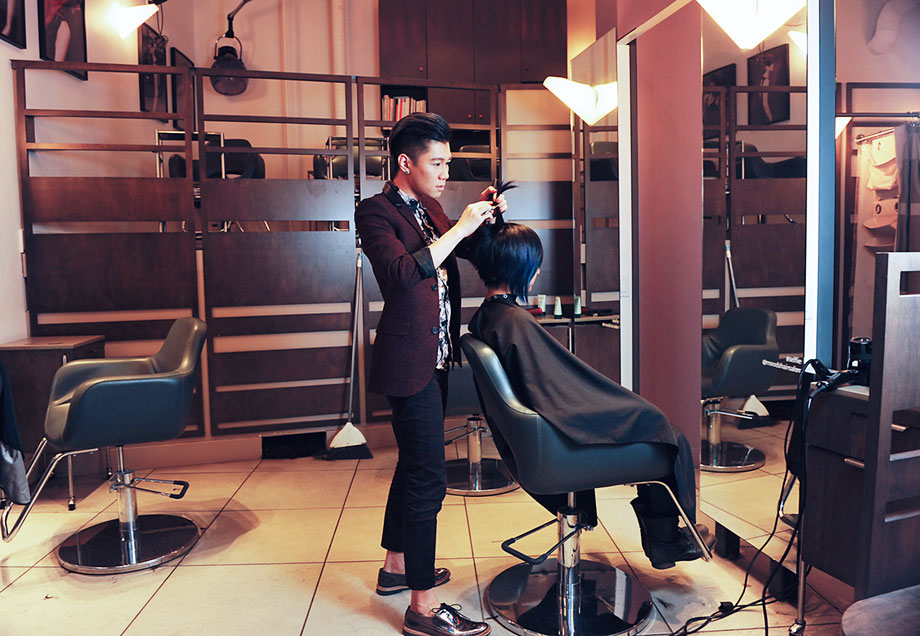 top hair graduate freddy sim in salon