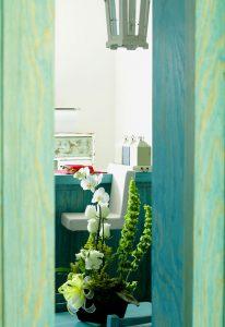 moor spa and nails doorway