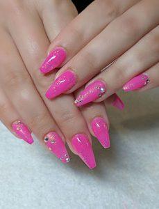 top nail school graduate paige roy pink manicure
