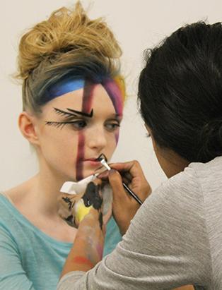 shaina azad top makeup artist applying makeup