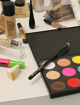 shaina azad top makeup artist kit station