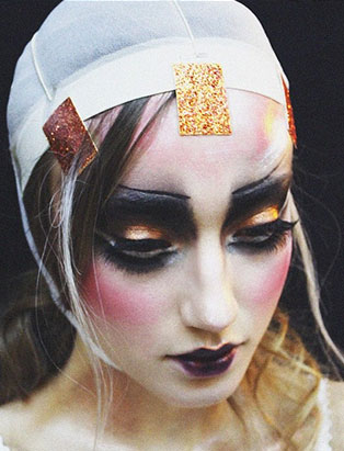 top makeup school graduate jenna kuchera gold glitter tape