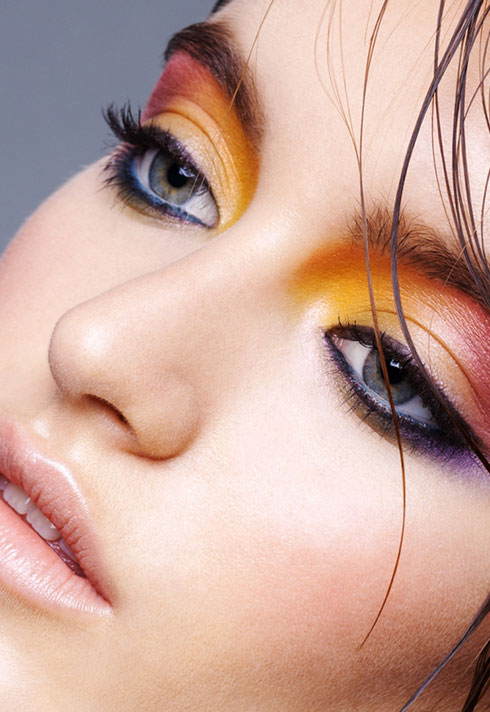 breianna neeser top makeup artist colourful eye makeup macro