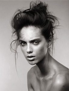 breianna neeser top makeup artist black and white moody makeup