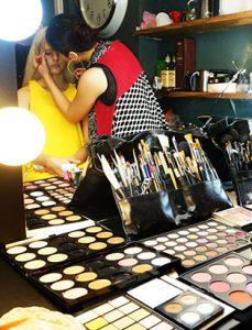 daisy hsiang global makeup graduate makeup kit