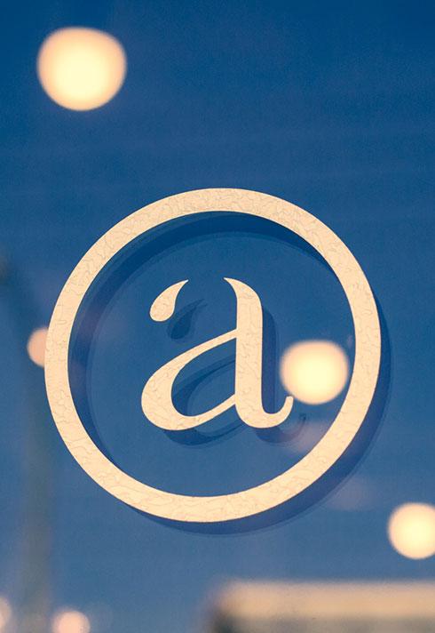eliza trendiak salon owner artel logo