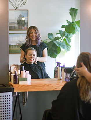 New Mane Squeeze - Blanche Macdonald Pro Hair Graduate Eliza Trendiak Opens Second Vancouver Location of Artel Salon!