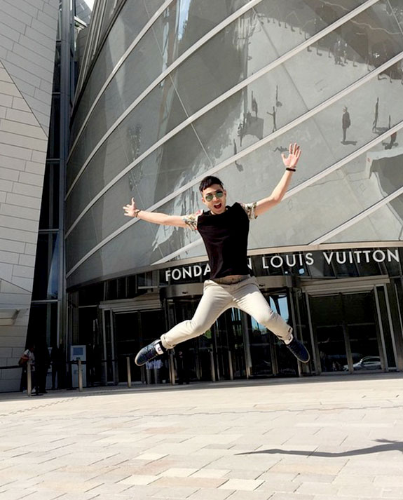 Haute in Hong Kong – Fashion Marketing School graduate Brian Chan takes on the Golden Gleam of Louis Vuitton, Times Square!