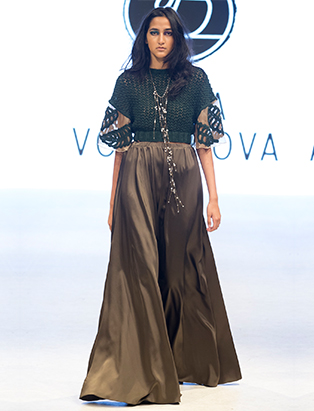 bmc vfw runway dasha volokhova look 3