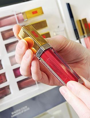 elizabeth arden makeup retail lipsticks