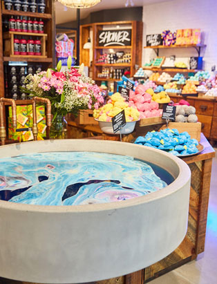 lush visual merchandiser kyle ziegenhagel lush bath