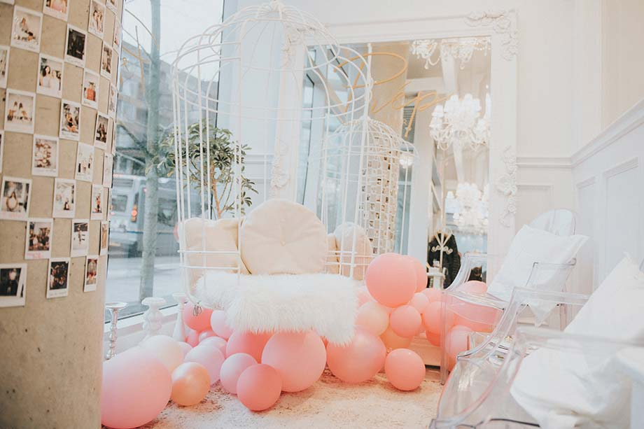 Mika, Prep, beauty parlour, makeup, esthetics, pampering, decor, feminine,balloons, pink
