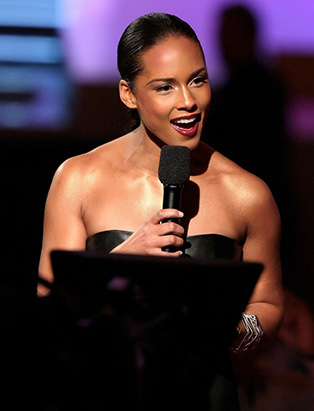 makeup for Alicia Keys by Blanche Macdonald graduate Jonathan Seti