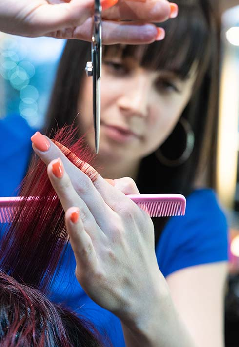 Stacey Paskall, Blanche MacDonald, grad, hairstyling, hairstylist, Avant Garde Salon, client, cut, client, happy, salon, scissors, trim,