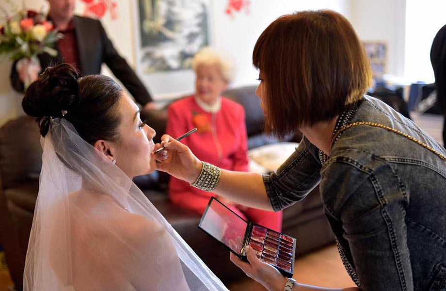 Blanche Macdonald Freelance Makeup program graduate Sandy Ma doing bridal makeup