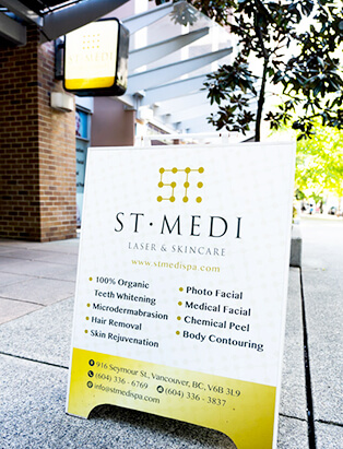 st medi spa homer street sign