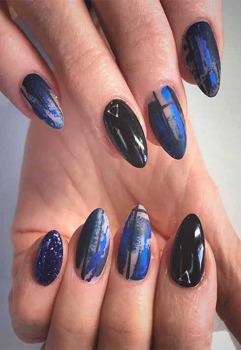 black and blue almond nail set by yuri song